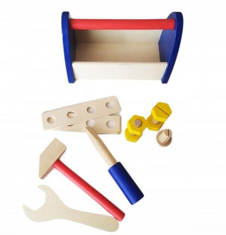 Drewniana skrzynka z narzędziami 2