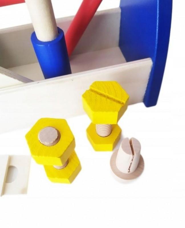 Drewniana skrzynka z narzędziami 3