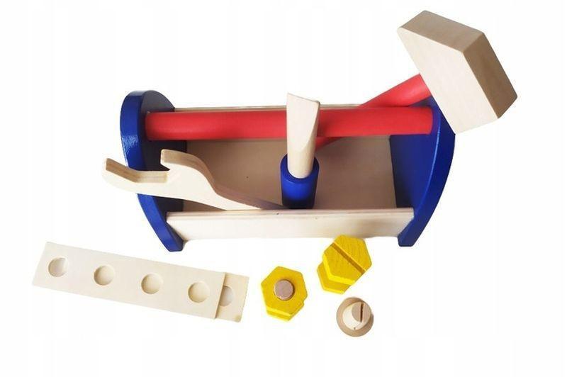 Drewniana skrzynka z narzędziami 5