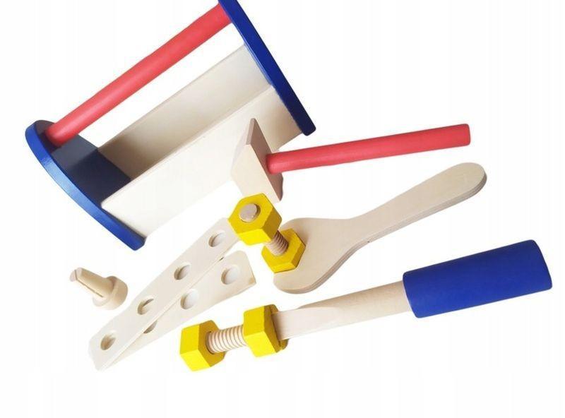Drewniana skrzynka z narzędziami 6