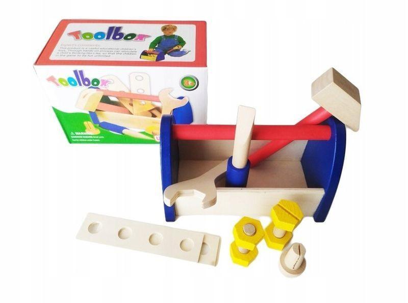 Drewniana skrzynka z narzędziami 1